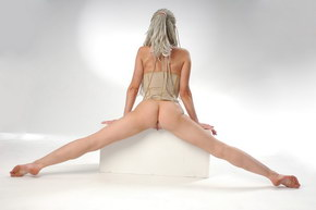naked flexible women