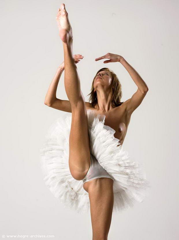 Flexible Dancer 52