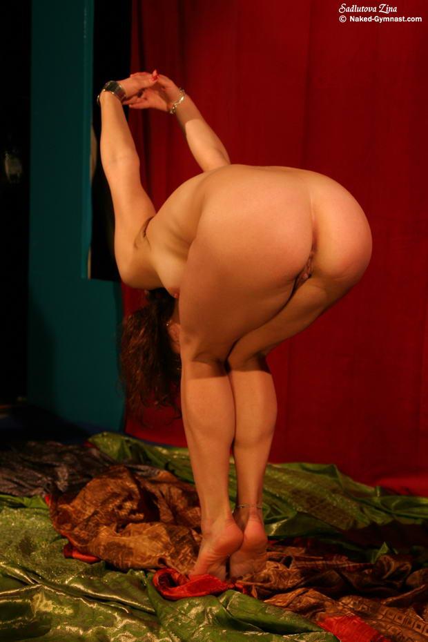 naked belly dancer