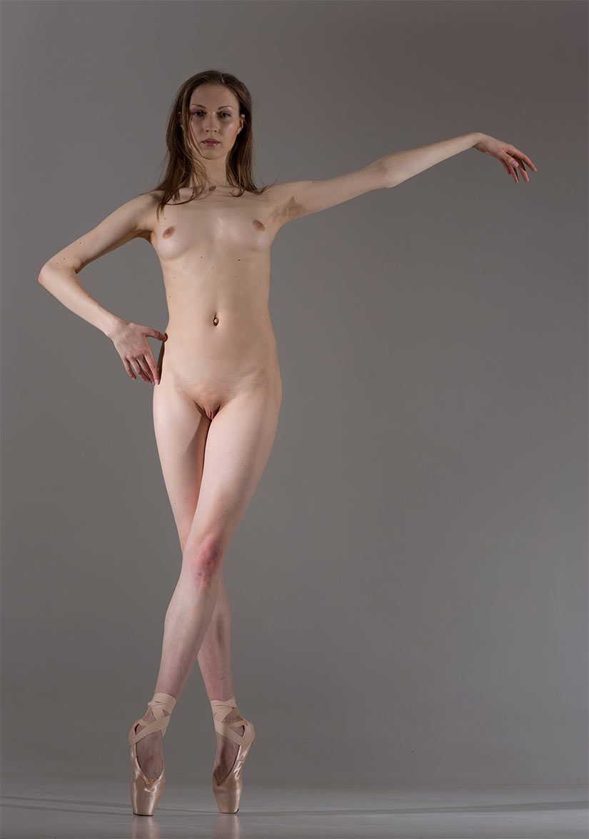 Nudist girl dance