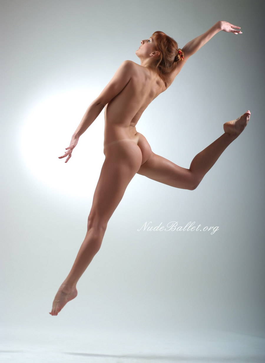 Naked ballet dancer